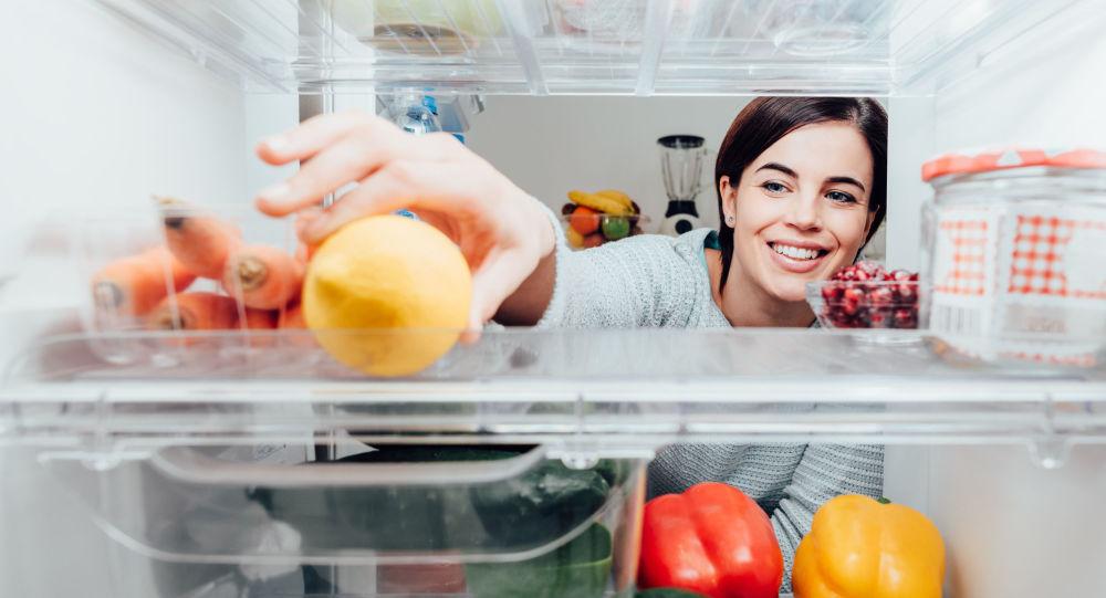 61890 5 трюков, с помощью которых холодильник помогает худеть