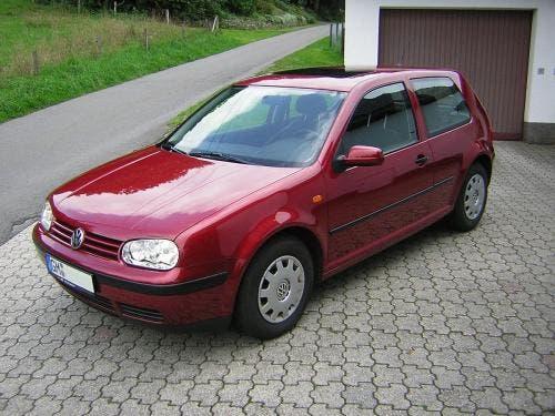 59324 Эксперты рассказали, как выбрать Volkswagen Golf IV с пробегом