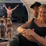 60396 Крис Хемсворт наслаждается семейным отдыхом в Квинсленде с женой Эльзой Патаки и детьми