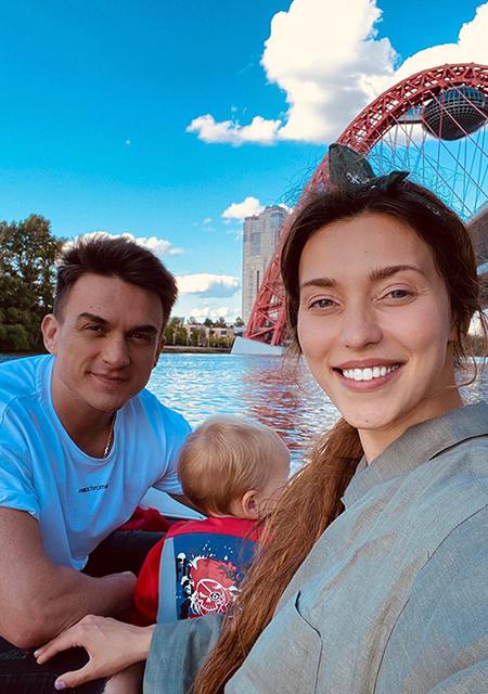 Влад Топалов и Регина Тодоренко с сыном Мишей