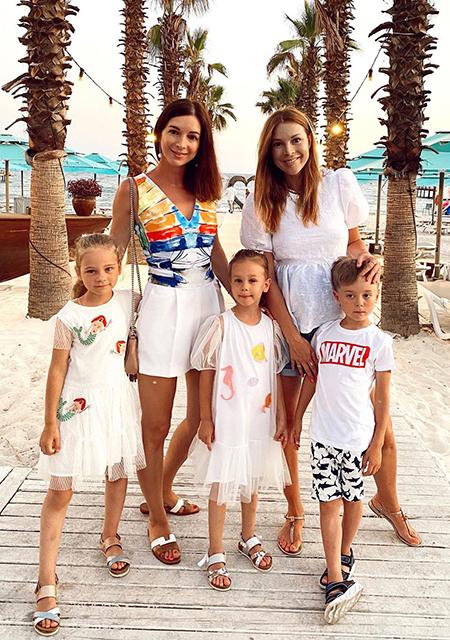 Наталья Подольская с сестрой Юлианой, сыном Артемием и племянницами