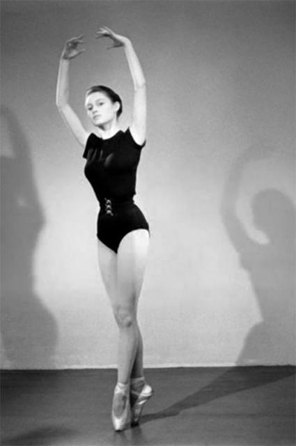Брижит Бардо в балетном классе