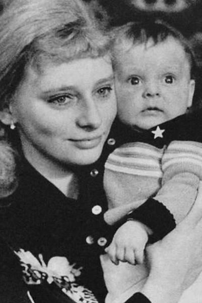 От мамы Марина Анисина переняла любовь к фигурному катанию