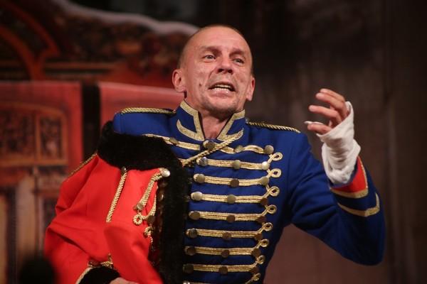 Алексей Шевченков успевает играть и в театре, и в кино