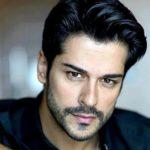 65012 Как выглядят родители и сестра самого красивого турецкого актера Бурака Озчивита?