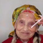 65060 Накладные ресницы, волосы и яркая помада: стилист создал бабушке молодежный образ