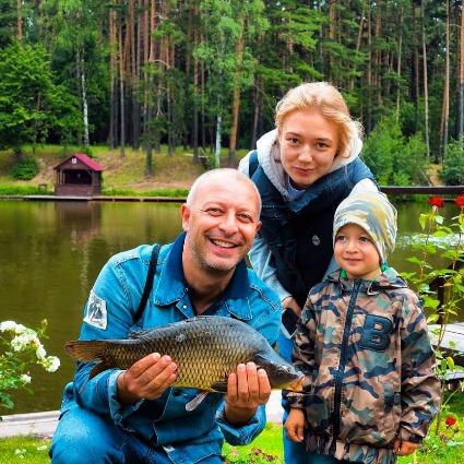 Оксана Акиньшина и Арчил Геловани с сыном