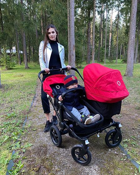 Анастасия Шубская с детьми