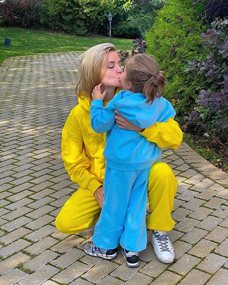 Полина Гагарина с дочерью