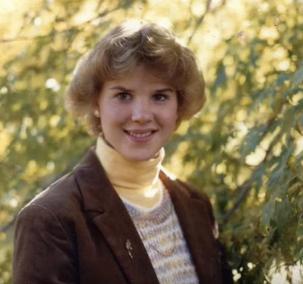 Удачная прическа, легкий макияж и женщина стала моложе на 10 лет!
