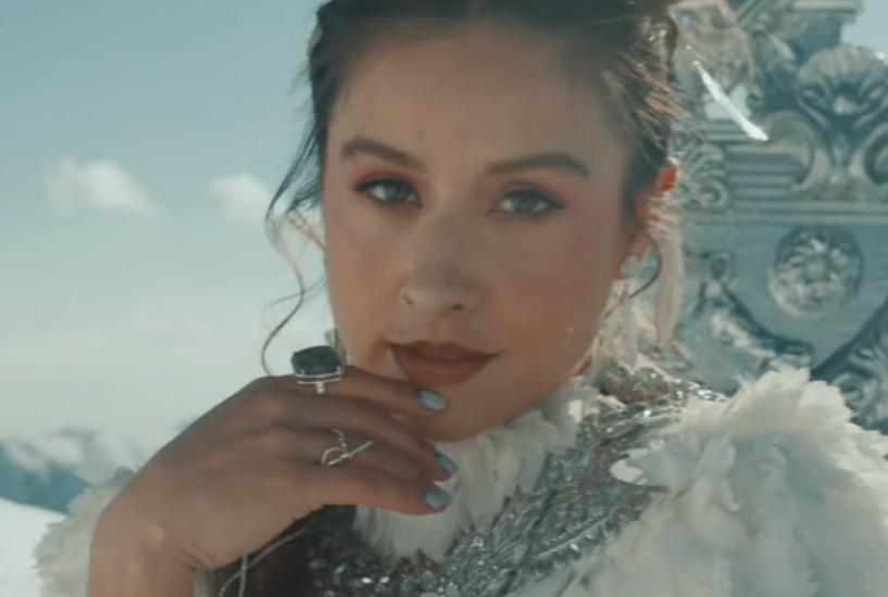 Lola Indigo, Danna Paola и Denise Rosenthal — Santería, новый клип