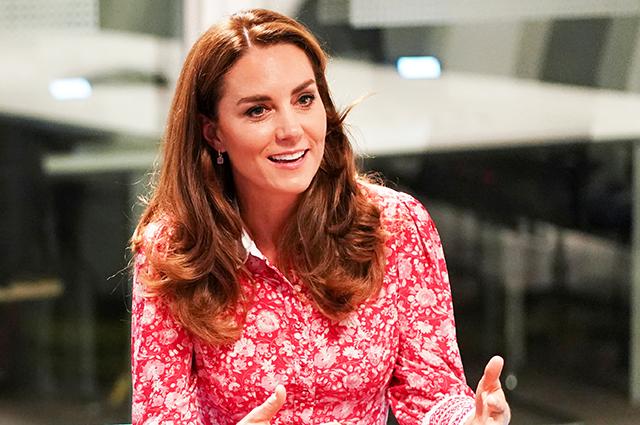 70555 Кейт Миддлтон и принц Уильям нанесли визит в знаменитую пекарню в Лондоне