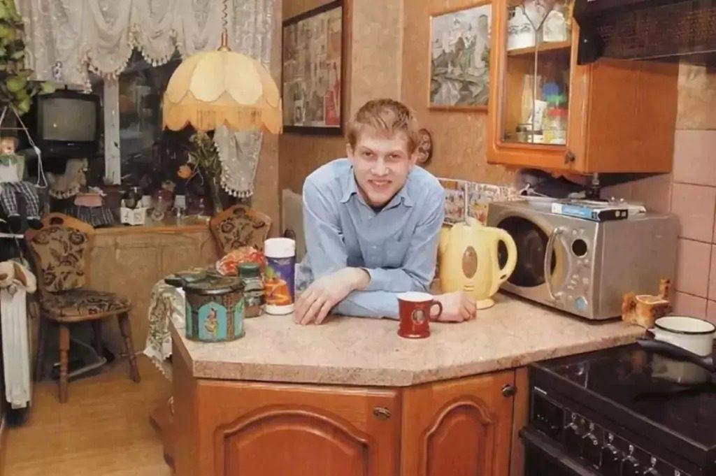 Как выглядит квартира популярного телеведущего Бориса Корчевникова