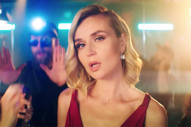 """72130 """"На расстоянии"""": Полина Гагарина представила клип на новую песню о несчастной любви"""