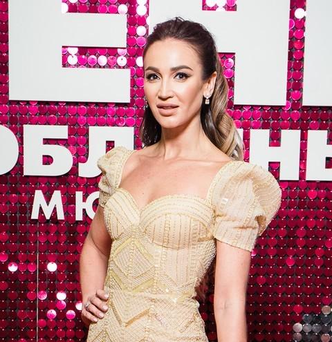 71586 Ольга Бузова: «Я бы очень расстроилась, если бы прозвучала фраза «Свадьбы не будет»
