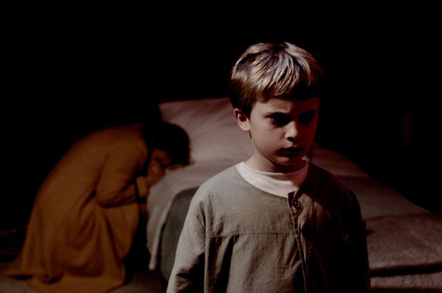"""Кадры из фильма """"Омен. Наследие"""""""