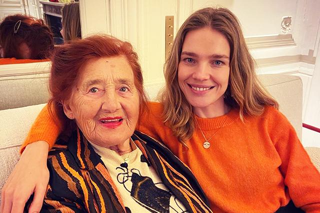 Звездный Instagram: прощание с осенью и фото с любимыми