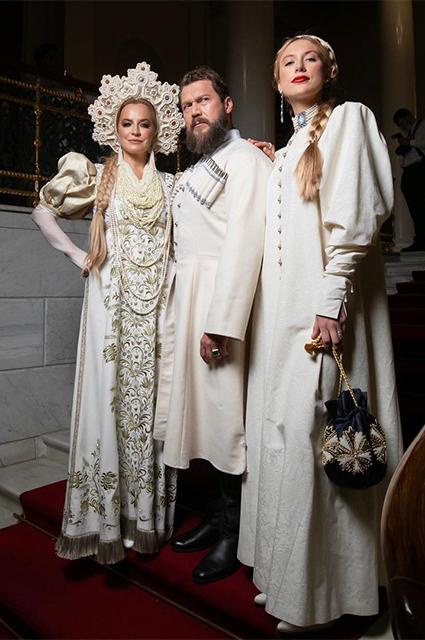 Петр Аксенов с Викторией Шеляговой и ее дочерью Варварой