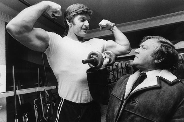 Дэвид Проуз (на фото слева) в молодости