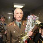 78543 Василий Лановой впервые вышел в свет после проблем со здоровьем