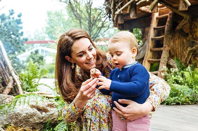 Кейт Миддлтон с сыном Луи