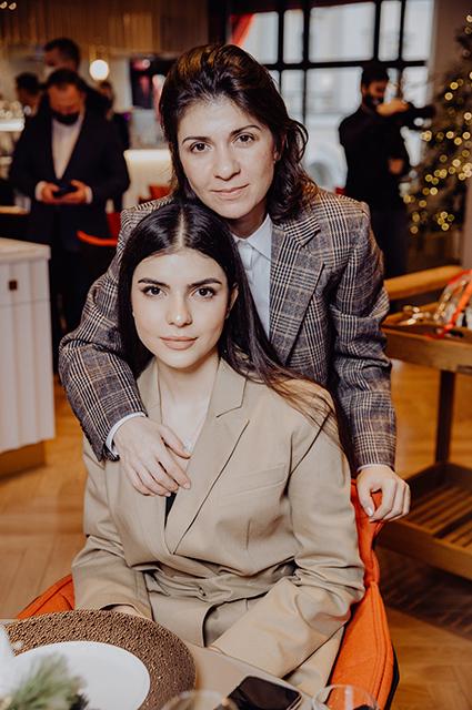 Нателла Крапивина с дочкой Софьей