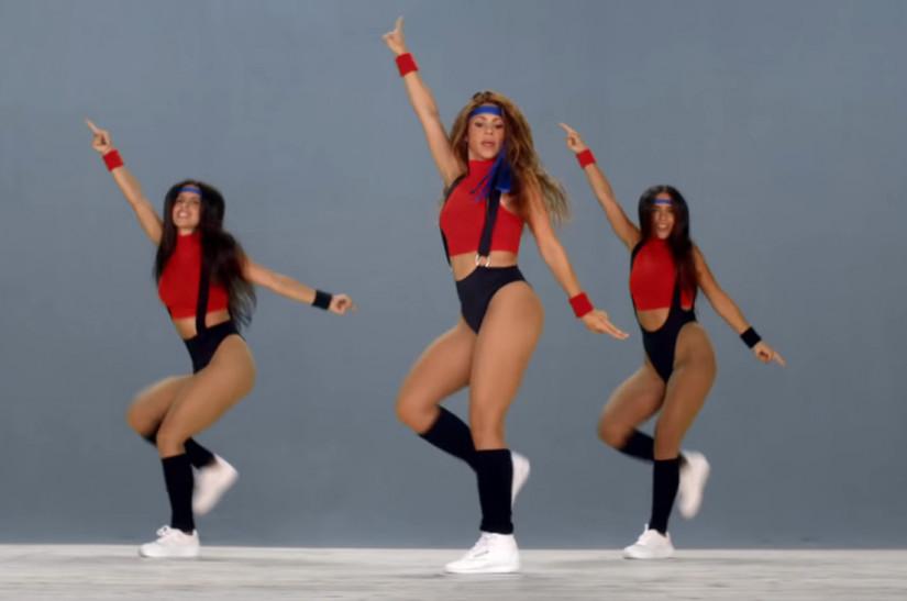 81704 Black Eyed Peas and Shakira — Girl like me, новый клип