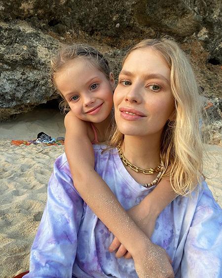 Елена Перминова с дочерью