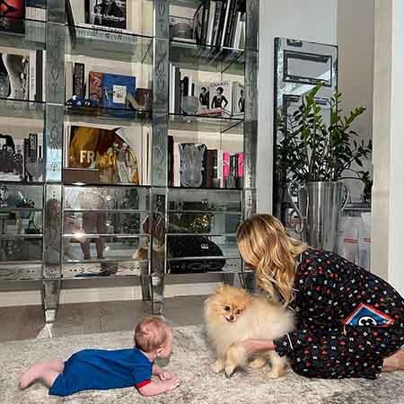 Яна Рудковская с сыном Арсением