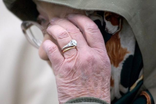 Кольцо королевы Елизаветы II