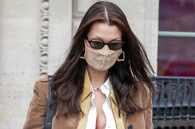Хроники Недели моды: Белла Хадид, Деми Мур и Кара Делевинь на улицах Парижа