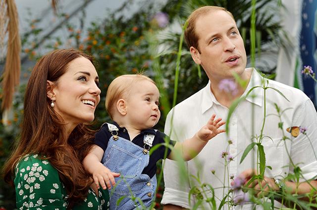 Кейт Миддлтон и принц Уильям с сыном Джорджем