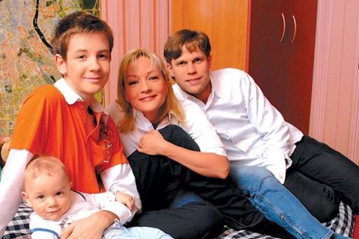 87785 Как выглядят повзрослевшие сыновья Татьяны Булановой?