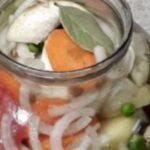86820 Кладем в банку курицу и овощи, ставим в духовку и забываем на пару часиков