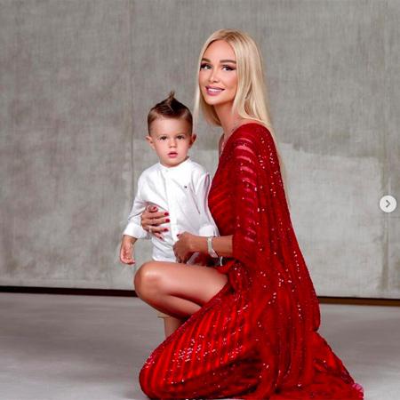Виктория Лопырева с сыном