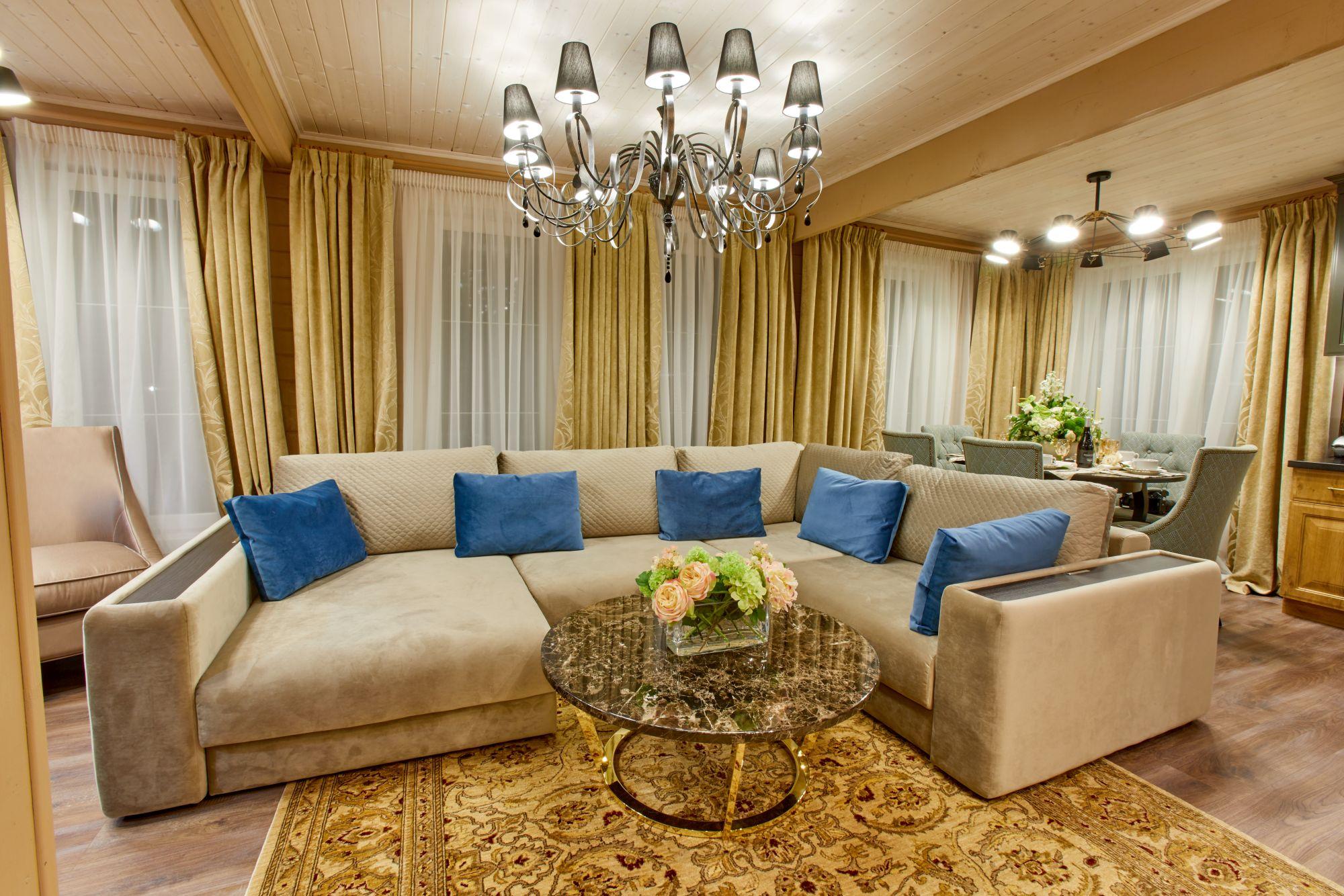 Уютно и комфортно: Знаменитая сваха Роза Сябитова показала дом, в котором она живет