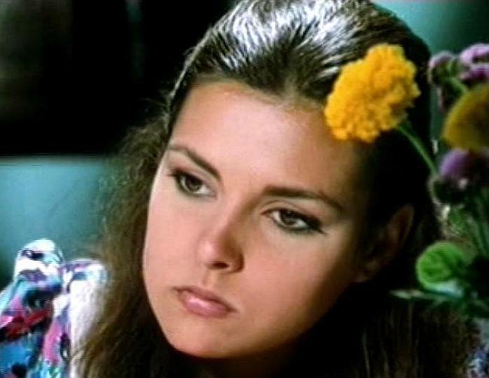Как сейчас выглядит Айдан Шенер — звезда сериала «Королёк — птичка певчая». Актрисе уже 57