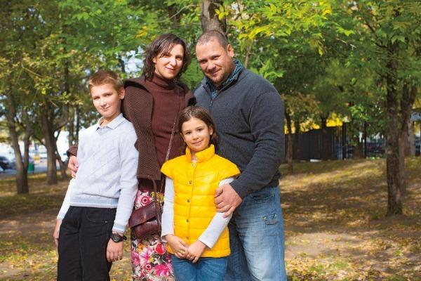 Олеся Железняк — счастливая жена и многодетная мама