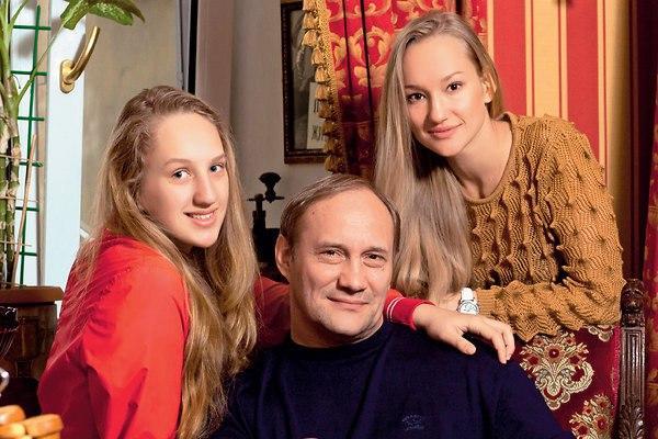5 отечественных актрис, как две капли воды похожих на своих отцов