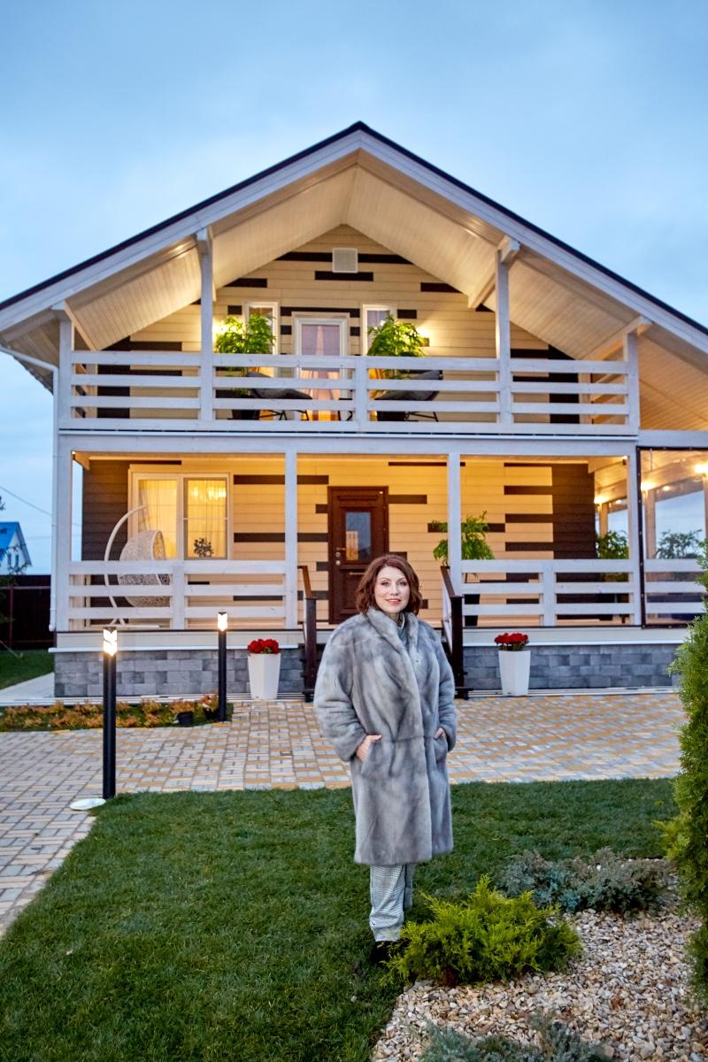93239 Уютно и комфортно: Знаменитая сваха Роза Сябитова показала дом, в котором она живет