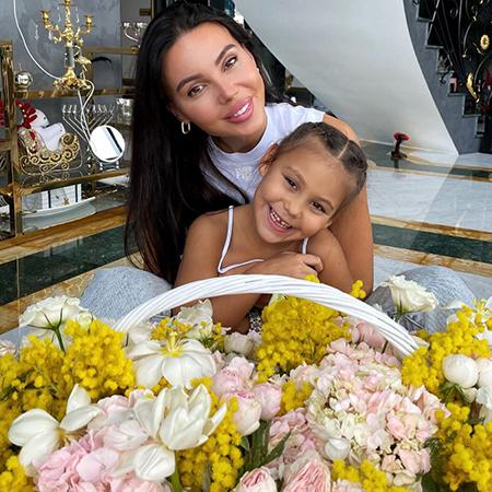 Оксана Самойлова с дочерью