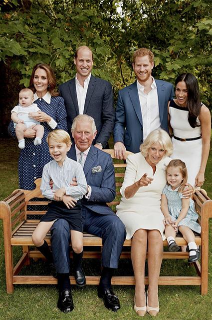 Кейт Миддлтон и принц Уильям с детьми, принц Гарри и Меган Маркл, принц Чарльз и Камилла Паркер-Боулз