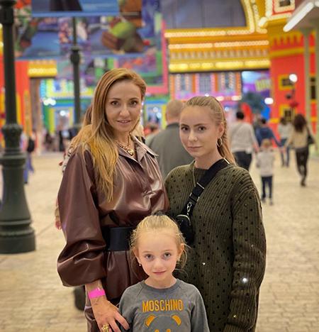 Татьяна Навка с детьми
