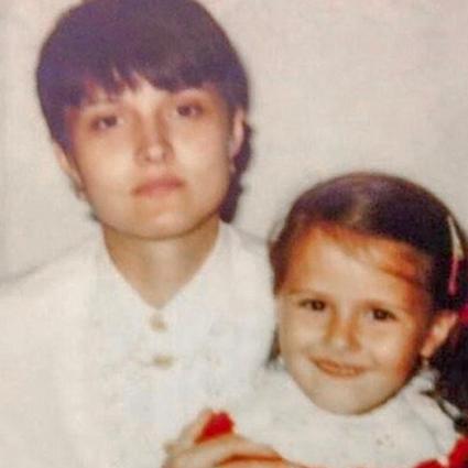 Маленькая Любовь Аксенова с мамой