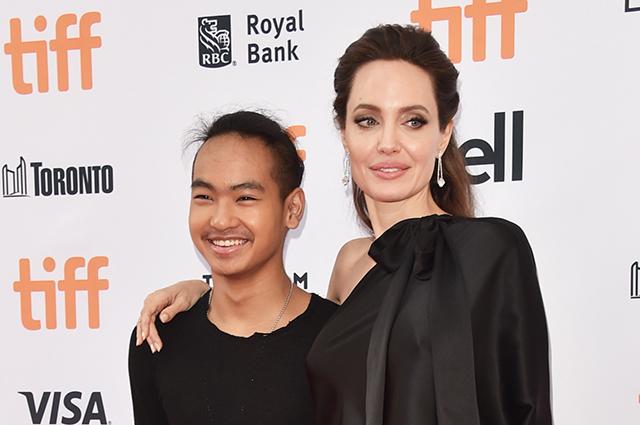 Сын Анджелины Джоли и Брэда Питта Мэддокс дал показания в суде против отца
