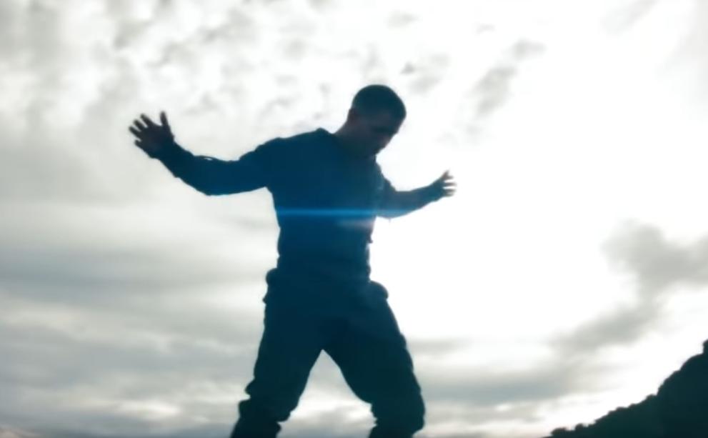 95478 Nick Jonas — Spaceman, новый клип