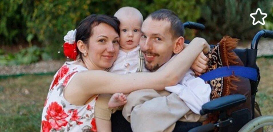 Как выглядит жена и сын Григория, который весит всего 20 килограммов?