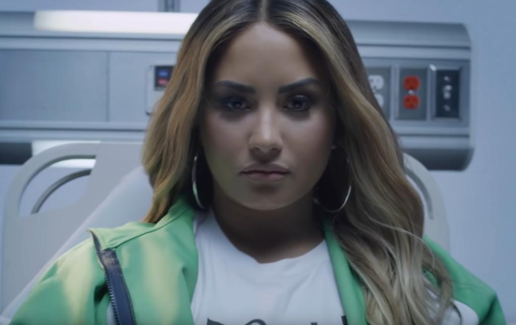 96874 Demi Lovato — Dancing With The Devil, новый клип