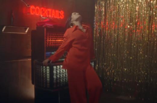 98919 Jessie J — I Want Love, новый клип