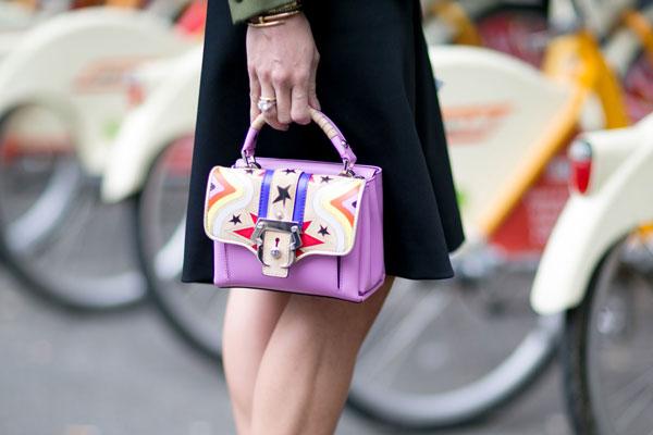 100515 Маленькая сумочка VS большая сумка: Что выбрать